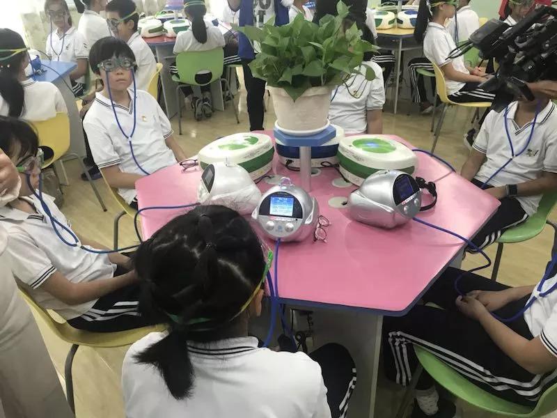 八年,朝阳实验小学视力不良率下降11%,他们是如何做到的?